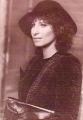 BARBRA STREISAND With A Hat USA Postcard